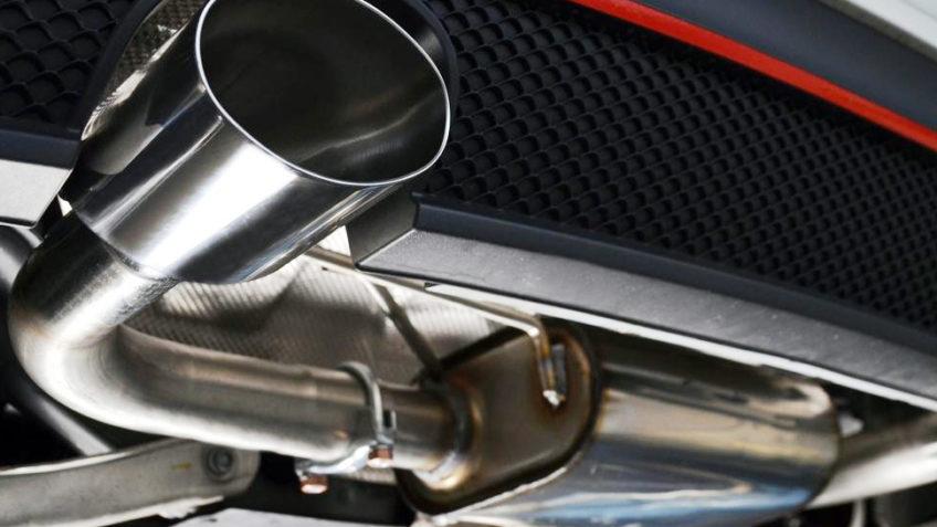 Visų automobilių išmetamųjų dujų sistemos.